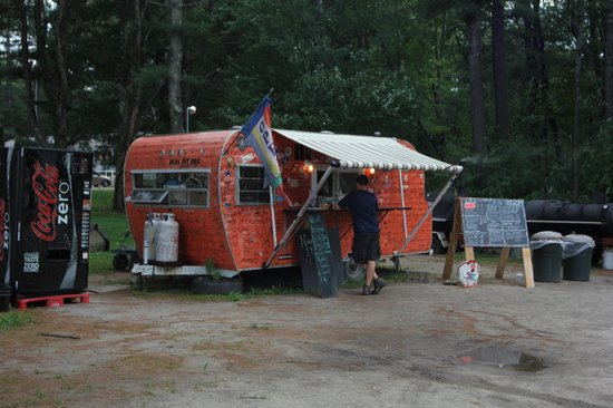Smokin' Good BBQ: Orange trailer, lots of comments written on