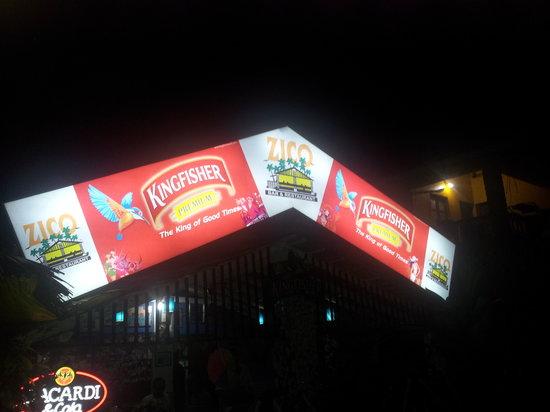 Zico's Bar & Restaurant: Zico's at Night