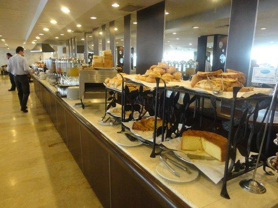InterContinental Medellin: parte del desayuno buffet