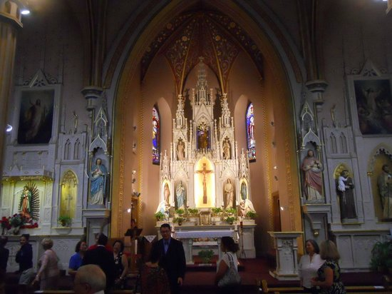 St Joseph Catholic Church : Busy afternoon in the church