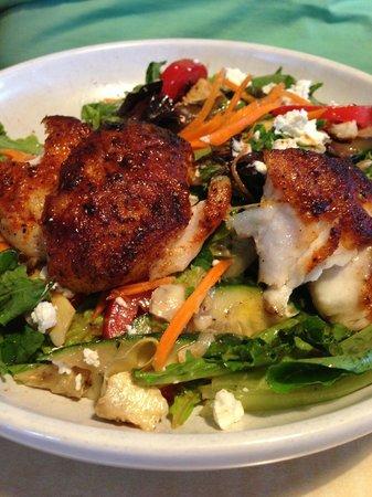 Lucky Pelican : Pelican Salad with Blackened Grouper