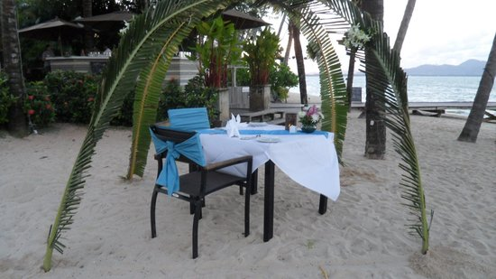 The Village Coconut Island Beach Resort: Romantic beach meal