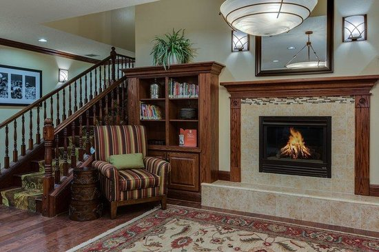 Country Inn & Suites By Carlson, Charleston South : CISCharleston South Lobby