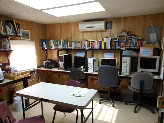 Culebra Public Library: Computer room with 3 computers, scanner/copier and printer