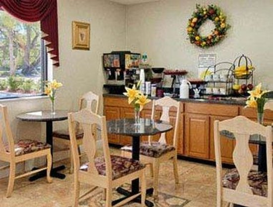 Days Inn Daytona Beach Downtown: Breakfast Area