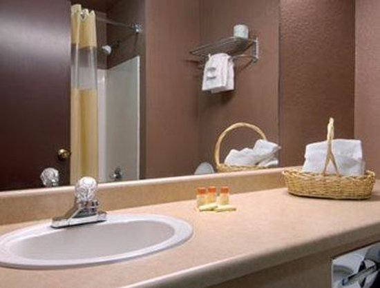 Days Inn Wurtsboro: Bathroom