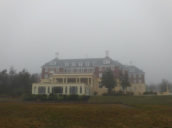 Chateau Tongariro Hotel: Chateau Tongiriro in the mist