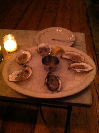 Assorted oysters in the Street and Co. lounge