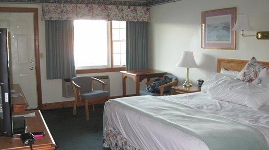 Tugboat Inn: Room 325