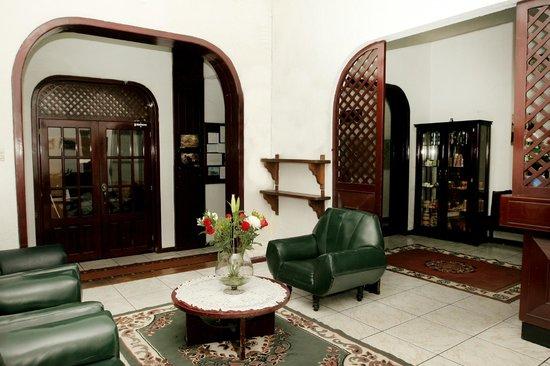 Hotel Huasi Continental: Sala de Estar