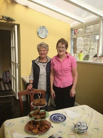 Moate Lodge: Morning Tea at B&B