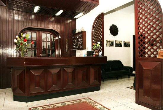 Hotel Huasi Continental: Recepción