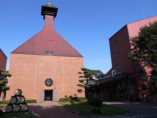 Nikka Whisky Sendai Factory Miyagikyo Distillery: レンガ作りが味です。
