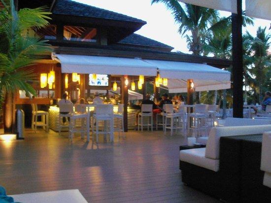 Casa de Campo Resort & Villas: Outside bar and restaurant