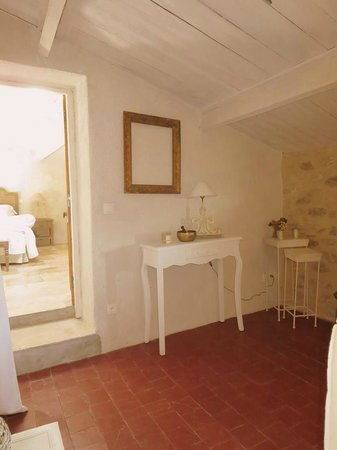 Les Remparts: The anteroom/sitting room of our suite, Perle de Coton
