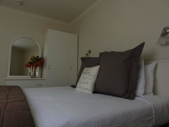 Ballina Motel : Two bedroom apartment (first floor) king bed