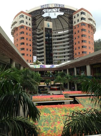 Hotel Spiwak Chipichape Cali: View of hotel from mall