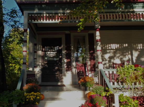 The Victoria Inn : The Victoria front porch on an October morning