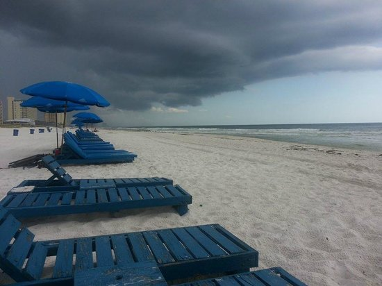 Boardwalk Beach Resort Condominiums: Thought it was gonna storm:)