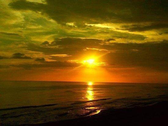 Boardwalk Beach Resort Condominiums: Amazing sunsets
