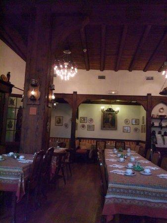 Best Western Plus Monopole Métropole : アルザス風の食堂