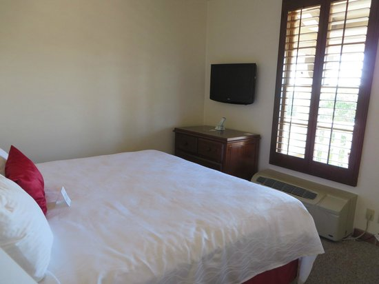 BEST WESTERN PLUS Hacienda Hotel Old Town: KingRoom with TV