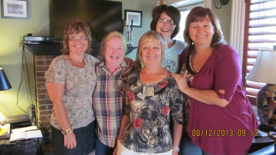 The Narrows Bed and Breakfast : Wonderful hostesses!!