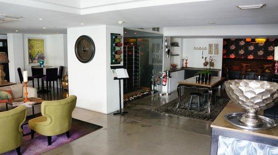 Hotel Feliz: Breakfast area
