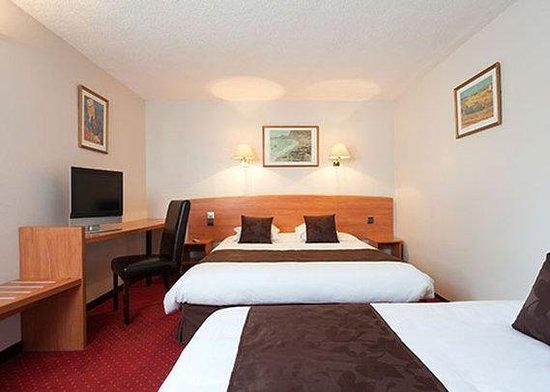 Comfort Hotel Cergy Pontoise: guest room