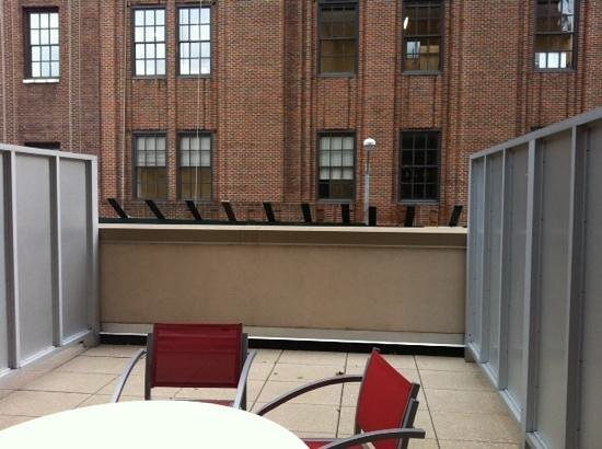 Sheraton Tribeca New York Hotel: 2nd floor patio