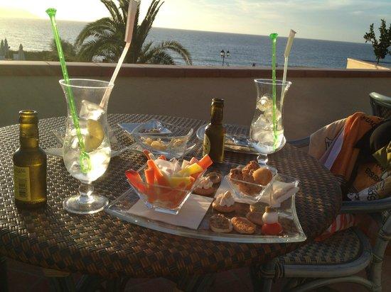 """Hotel Biodola: Sicht aus der """"Lounge-Terrasse"""" / Bar"""