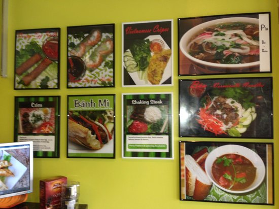 Kt Vietnamese Cafe: Pictures of food on the wall