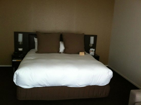 Novotel Rotorua Lakeside : Inviting bed