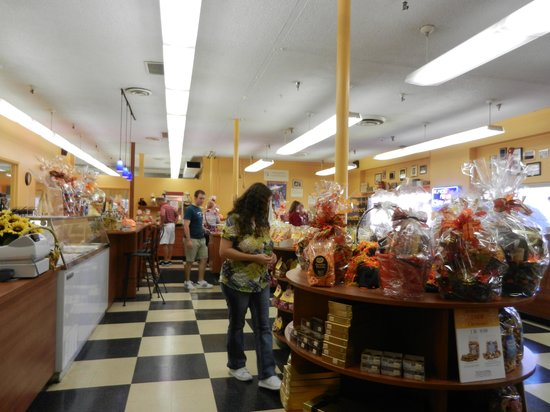 South Bend Chocolate Factory and Museum Tours: chocolate gift shop