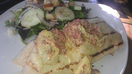 Fionn MacCool's Irish Restaurant and Pub: Fionn MacCool's - Corned Beef Boxty