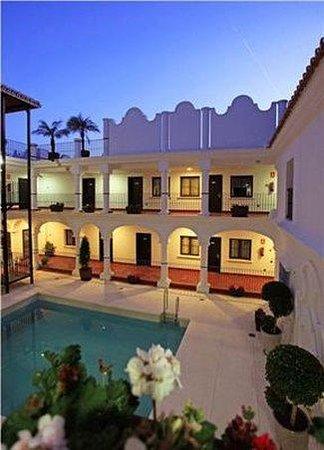 Hotel La Fonda: Pool