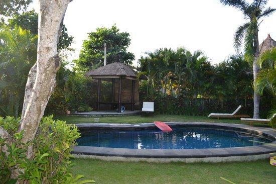 Alamanda Villas: Peaceful..............