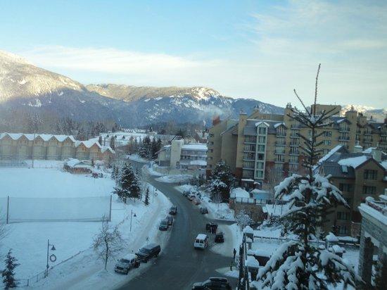The Westin Resort & Spa, Whistler: Vista da janela - lado direito do quarto