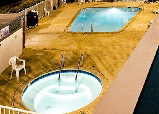 Heritage Inn San Diego Near Sea World: Pooland Spa
