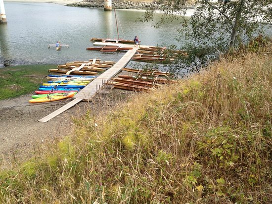 Stanford Inn by the Sea : Big River canoe rentals just a short walk away