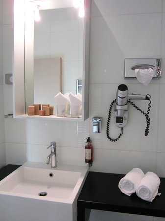 Hotel Palazzu U Domu: Clean & bright with basic amenities