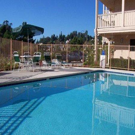 Heritage Inn La Mesa : Swimming Pool