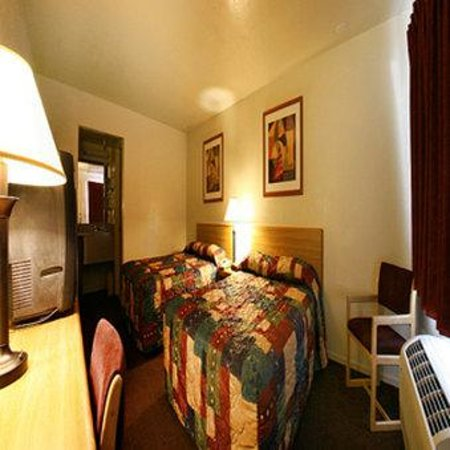 Heritage Inn La Mesa: Guest Room