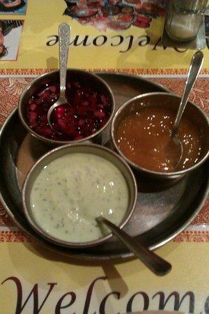 Restaurant New Delhi: Salsitas de cebolla