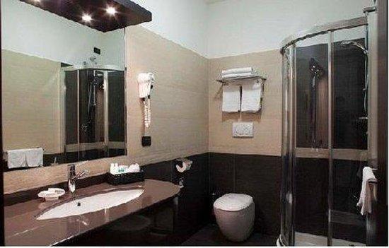 Hotel Holiday La Marca: Bathroom