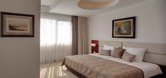 호텔 아리스토스