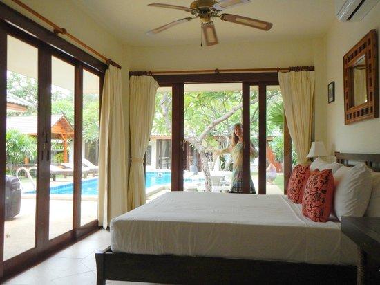 Idyllic Samui Oceanfront Resort & Villas: Спальня
