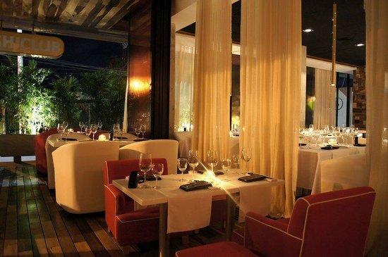 โรงแรมบี พลายา: Restaurant