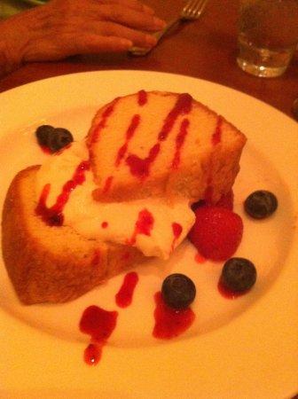 Bonanno Restaurant: Almond pound cake with fresh strawberries and blueberries