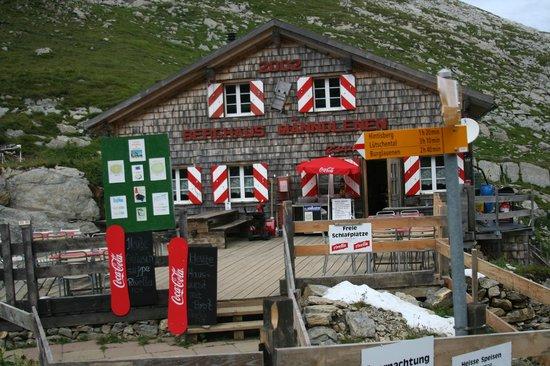 Berghaus Manndlenen: Front View    -  Manndlenen